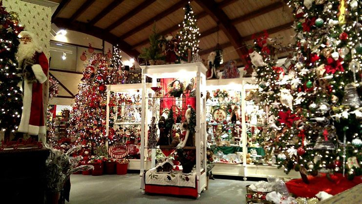 Christmas Business Decorations.Finish Your Decorating And Gift Shopping At This Escondido